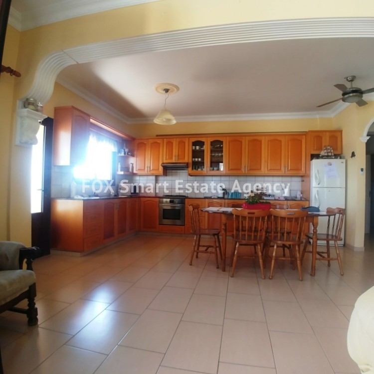 A Bright 3 Bedroom Bungalow (Single Level) House For Sale in Pervolia 2