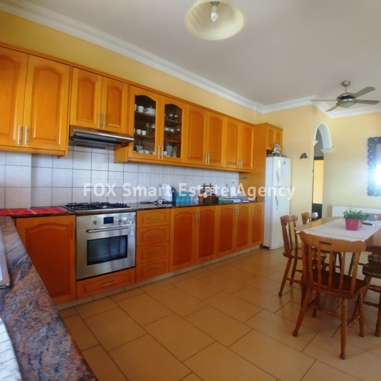 A Bright 3 Bedroom Bungalow (Single Level) House For Sale in Pervolia 3