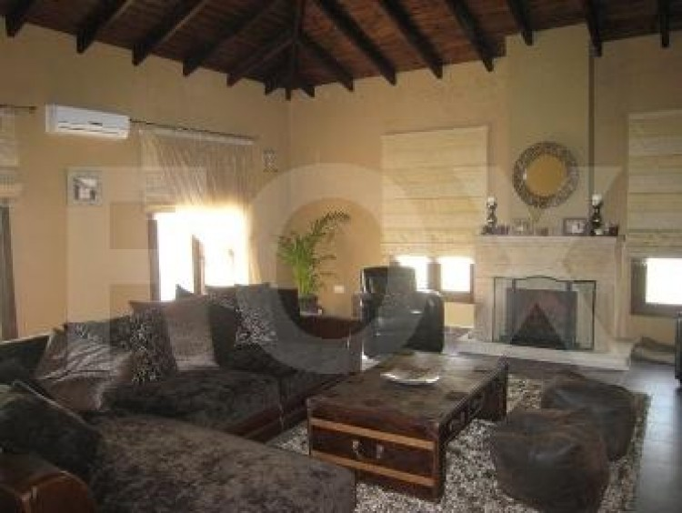For Sale 5 Bedroom Detached House in Pyrgos lemesou, Limassol