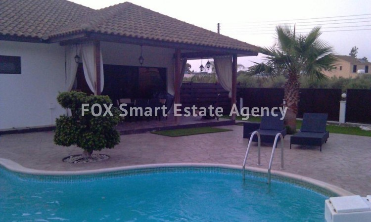 For Sale a magnificent villa with swimming pool in Meneou, Larnaca 2
