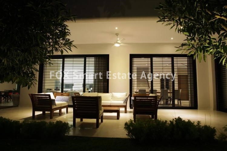 For Sale 6 Bedroom Detached House in Agios athanasios, Limassol