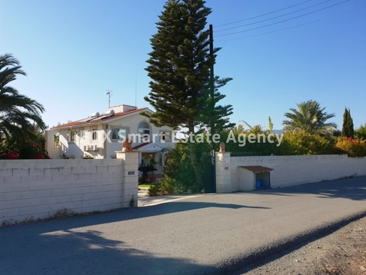 To Rent 6 Bedroom Detached House in Pyrgos lemesou, Limassol