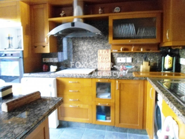 To Rent 3 Bedroom Maisonette House in Egkomi lefkosias, Nicosia 11