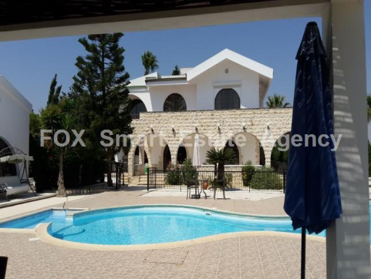 For Sale 5 Bedroom Detached House in Meneou, Larnaca