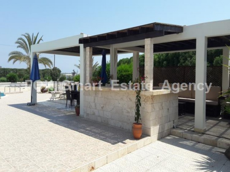 For Sale 5 Bedroom Detached House in Meneou, Larnaca 12