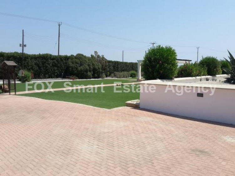 For Sale 5 Bedroom Detached House in Meneou, Larnaca 3