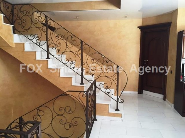 For Sale 5 Bedroom Detached House in Strovolos  10