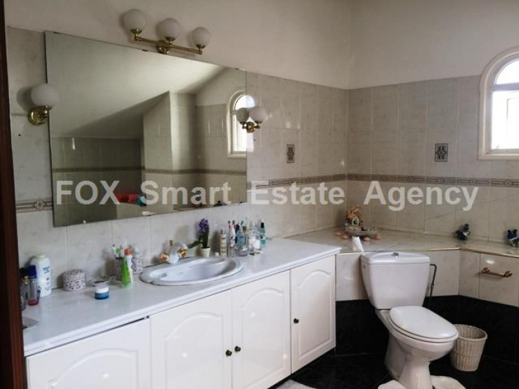 For Sale 5 Bedroom Detached House in Strovolos  9