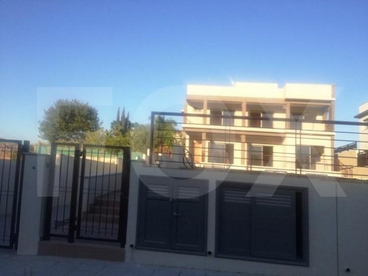 For Sale 6 Bedroom Detached House in Kalogyros, Limassol 4