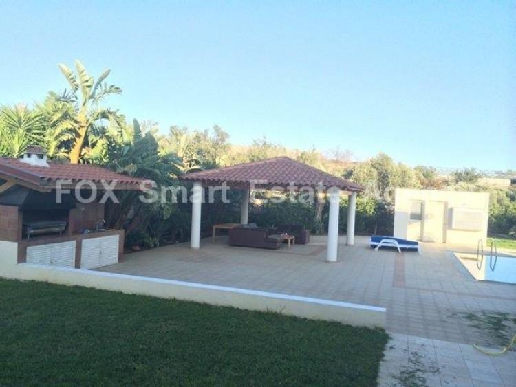 For Sale 4 Bedroom Detached House in Monagroulli, Limassol 9