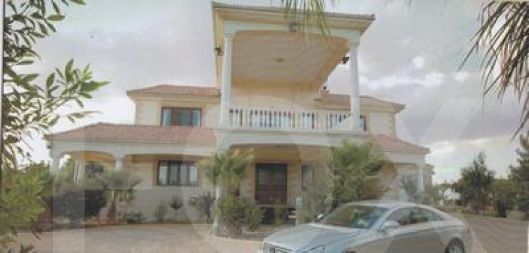 For Sale 5 Bedroom Detached House in Mazotos, Larnaca
