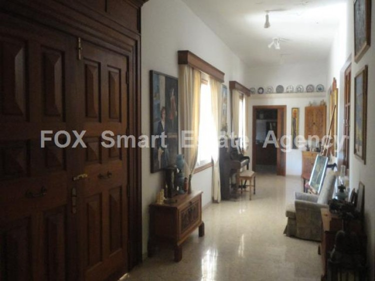 For Sale 5 Bedroom  House in Kato polemidia, Limassol 18