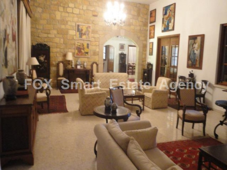 For Sale 5 Bedroom  House in Kato polemidia, Limassol 2