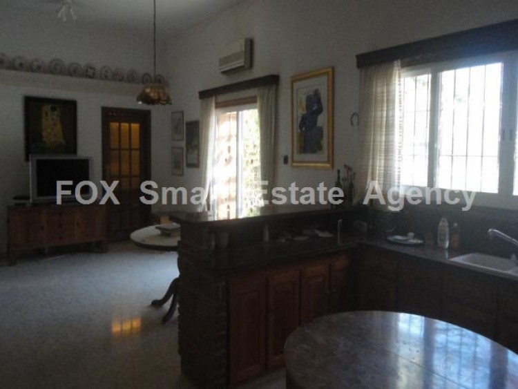 For Sale 5 Bedroom  House in Kato polemidia, Limassol 24