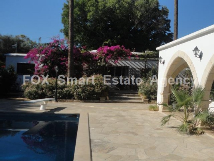 For Sale 5 Bedroom  House in Kato polemidia, Limassol 34
