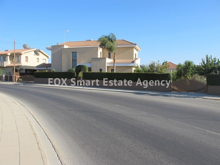 To Rent 6 Bedroom Detached House in Potamos germasogeias, Limassol