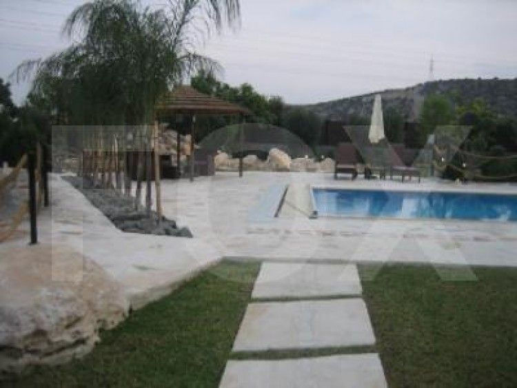 For Sale 7 Bedroom Detached House in Pyrgos lemesou, Limassol 11