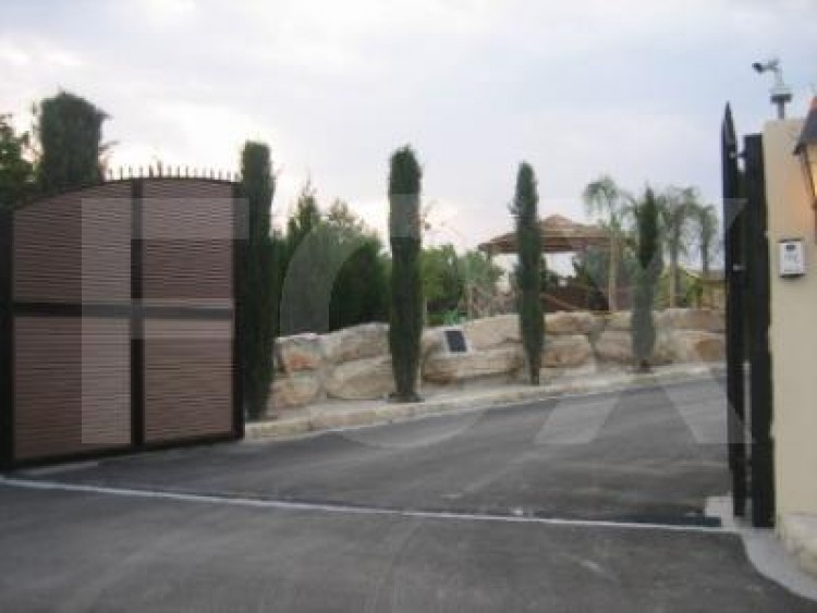 For Sale 7 Bedroom Detached House in Pyrgos lemesou, Limassol 2