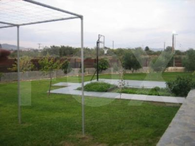 For Sale 7 Bedroom Detached House in Pyrgos lemesou, Limassol 30