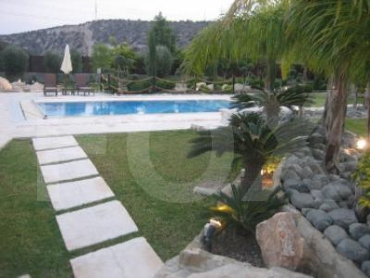 For Sale 7 Bedroom Detached House in Pyrgos lemesou, Limassol 9